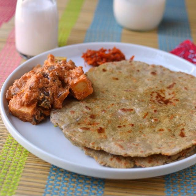 haryana-bajre-ki-roti-paneer-do-pyaza.46474.jpg