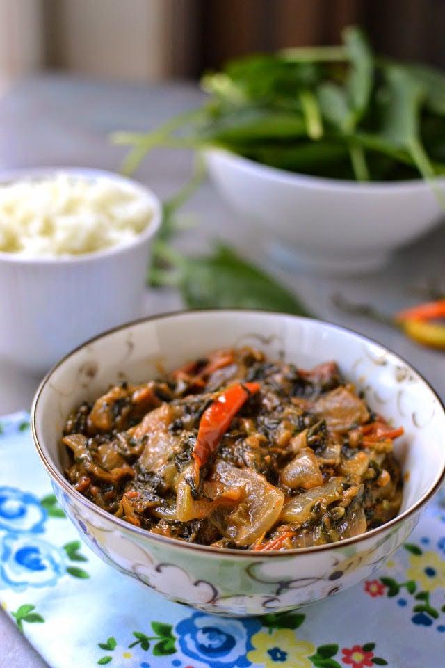 zimbabwe-dobi-spinach-tomato-with-peanut-butter-sauce.45702.jpg