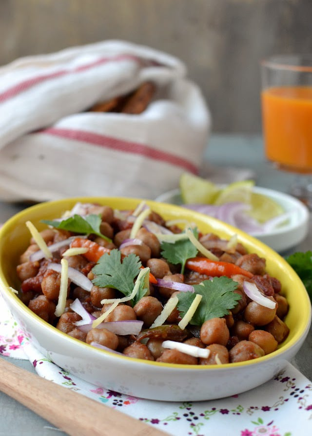 amritsari-chole-spicy-chickpea-curry.45374.jpg