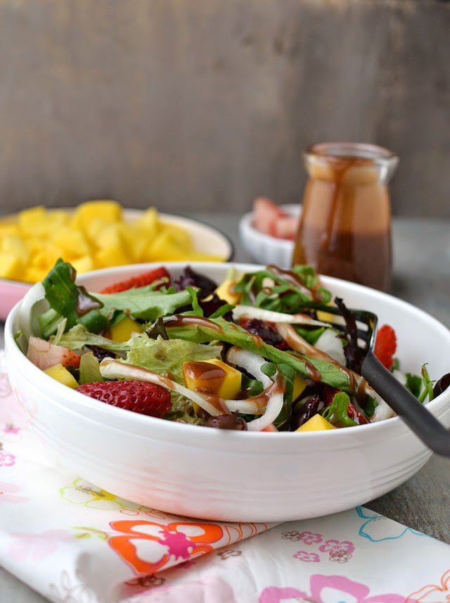 strawberry-mango-salad-with-balsamic-dressing.45135.jpg