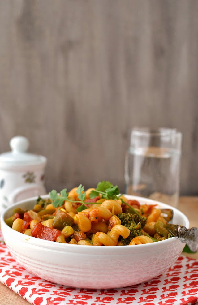 pasta-with-curried-vegetable-sauce.45069.jpg
