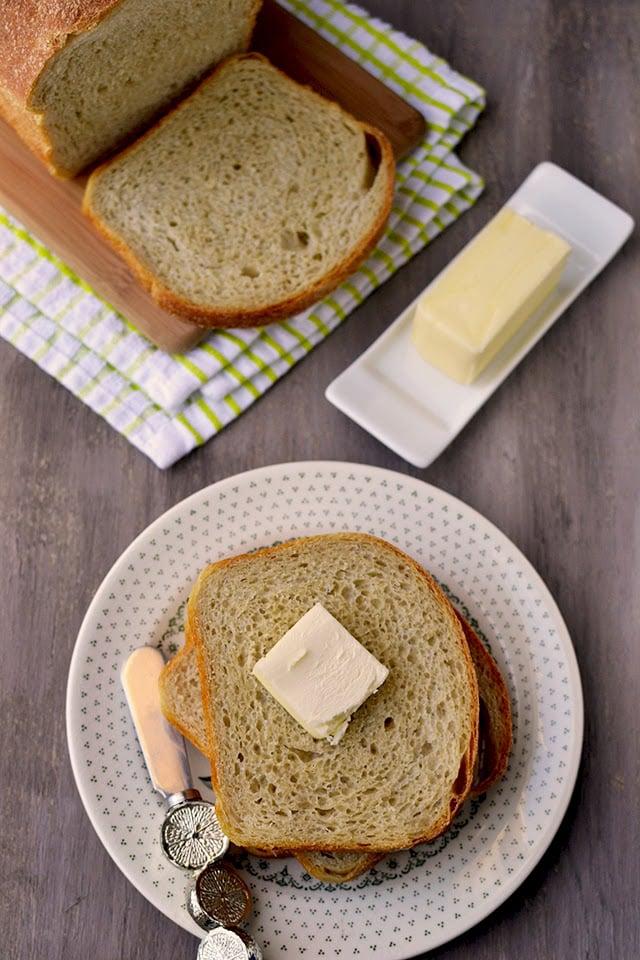 basic-sourdough-sandwich-loaf.45016.jpg