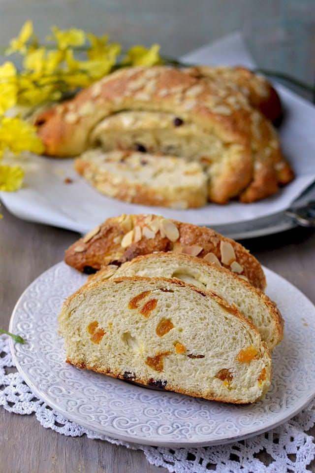 colomba-pasquale-for-breadbakers-easter-dove-bread-eggless-recipe.44959.jpg