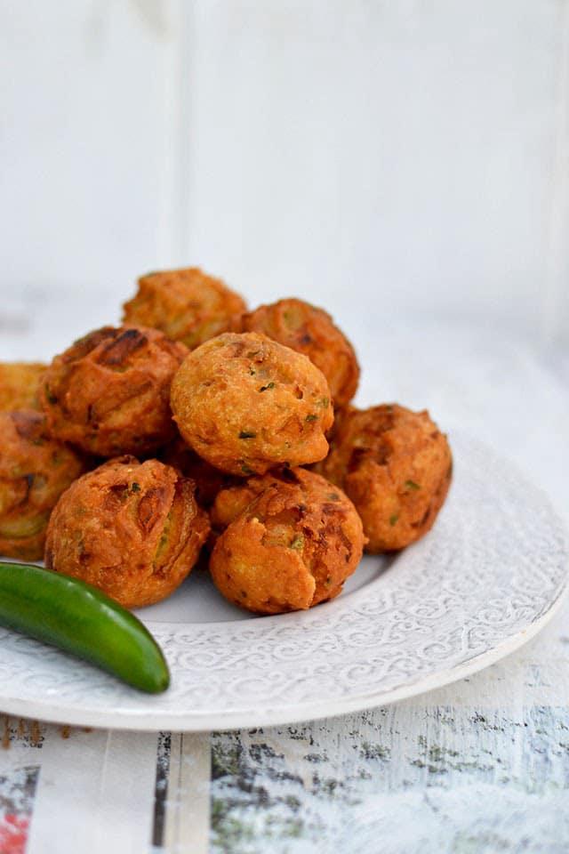 patnam-pakodi-city-style-onion-fritter-for-indian-cooking-challenge.44701.jpg