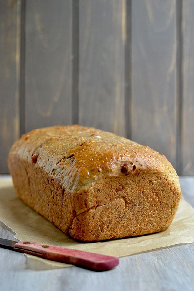 oats-bread-with-maple-and-walnuts-for-breadbakers.44617.jpg