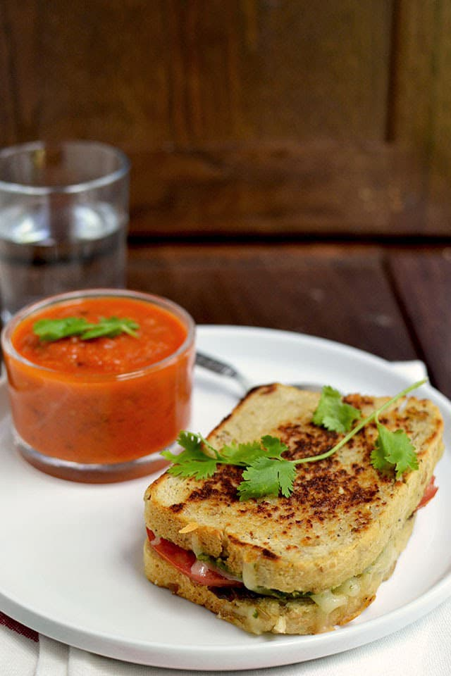 grilled-cheese-with-tomato-soup.44443.jpg