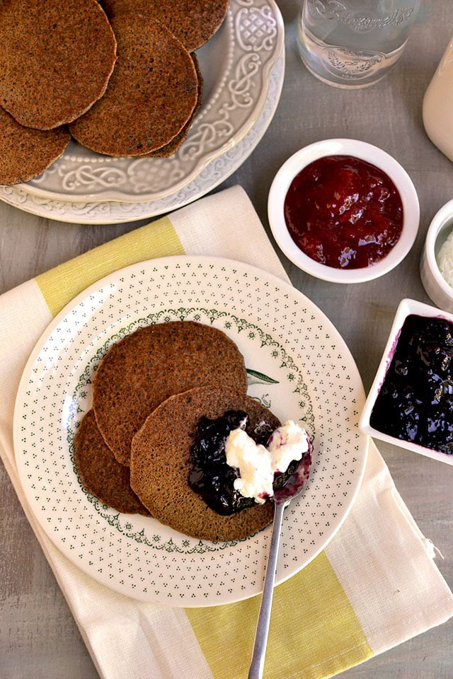 russian-blinis-buckwheat-pancakes.44296.jpg