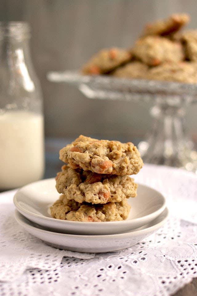 oats-butterscotch-cookies.44230.jpg