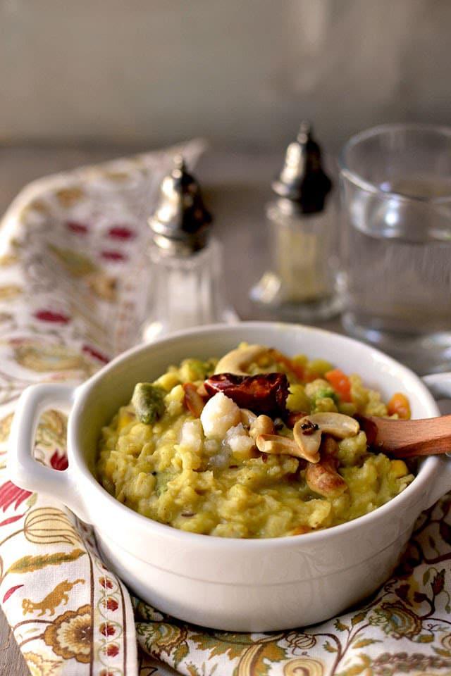 oats-khichdi-oats-lentil-porridge.44200.jpg