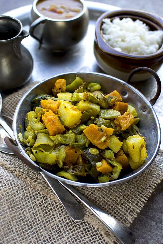 charchari-bengali-mixed-vegetable-curry.43583.jpg