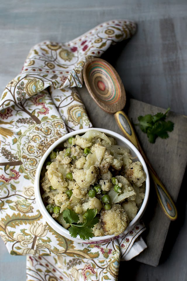 fulkopi-posto-bengali-cauliflower-curry-with-poppy-seeds.43564.jpg