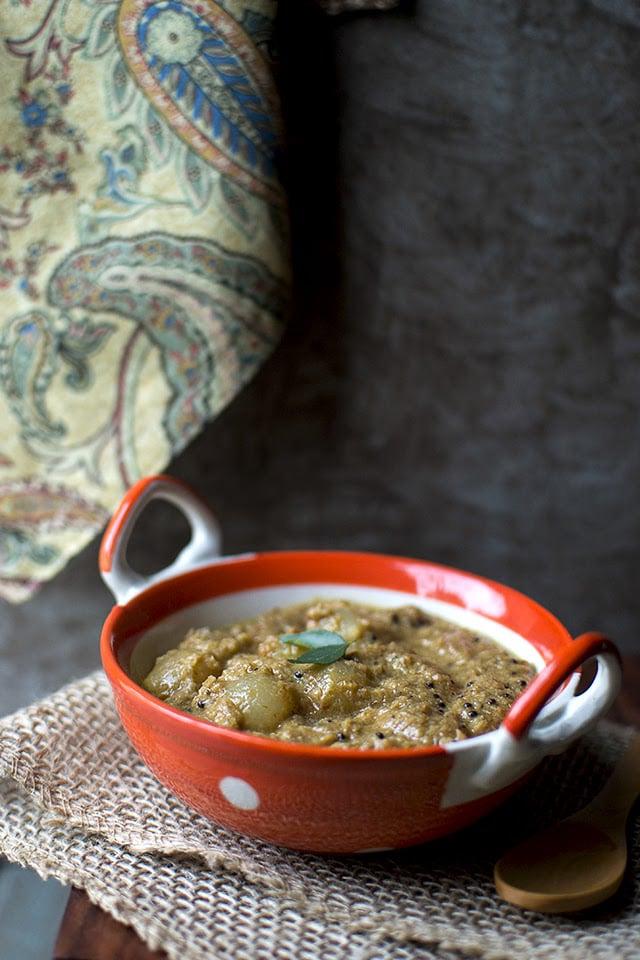 ulli-theeyal-kerala-onion-masala-curry.43452.jpg