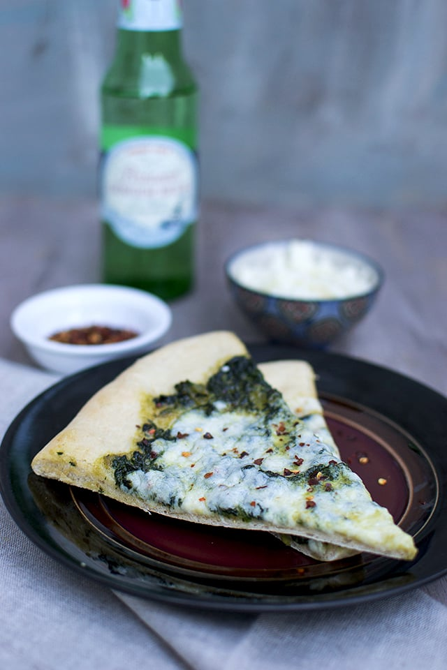 saag-pizza-indian-style-spinach-pizza.43212.jpg