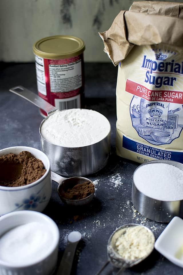 Ingredients to make Biscotti