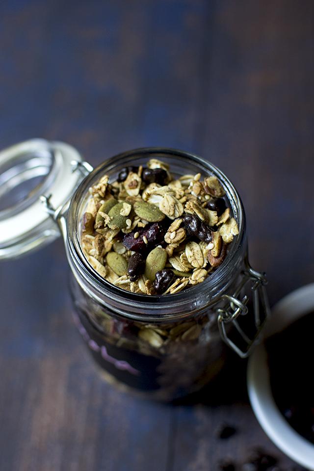 cranberry-cacao-nib-granola7s