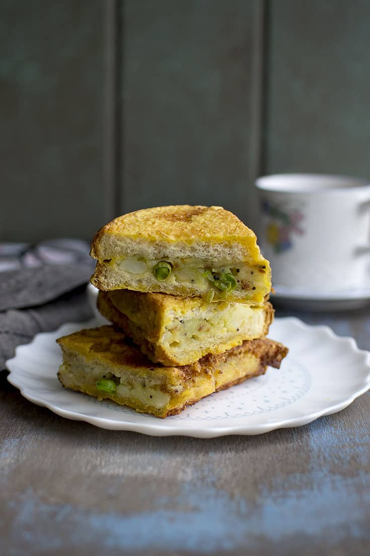 Street food Bread Pakora